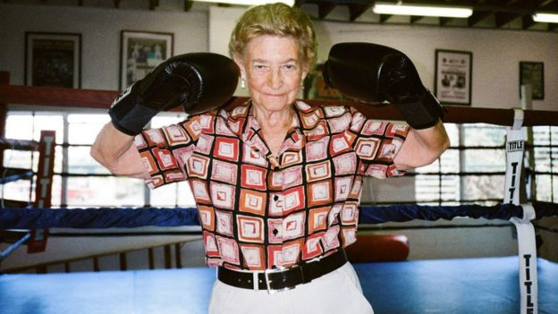 Barbara Buttrick: The woman who boxed to the top - BBC News