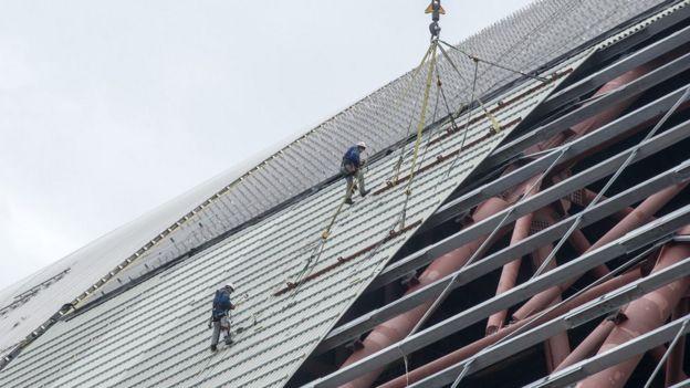 Obras en el techo del domo