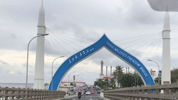मालदीव, चीन मालदीव फ्रेंडशिप ब्रिज, Sinamalé Bridge, चाइना-मालदीव फ्रेंडशिप ब्रिज, China-Maldives Friendship Bridge