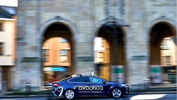 Un automóvil con tecnología autónoma Oxbotica