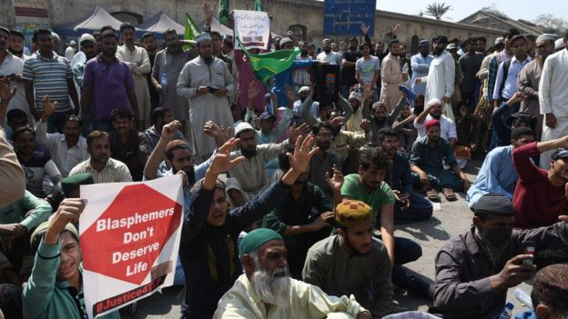 Image result for Pakistani Christians Call for Prayer, Christian Service in Midst of Violence After Asia Bibi Acquittal