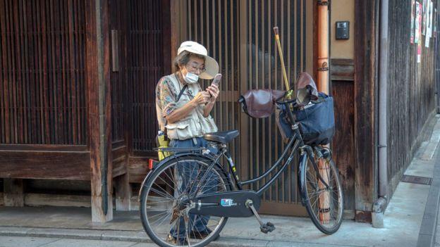 Nhật Bản đang đối mặt với dân số ngày một giảm và già đi nhanh chóng