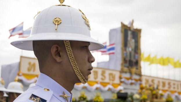 ทหารที่พระลานพระราชวังดุสิต