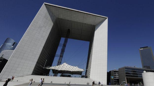 巴黎的拉德芳斯新凯旋门