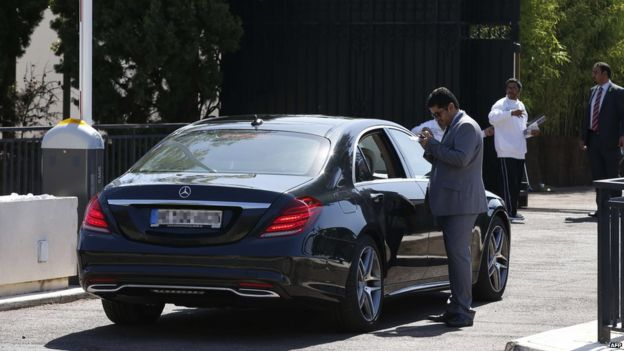 A car arrives at the villa of the Saudi king in Vallauris Golfe-Juan, southeastern France, on July 26, 2015