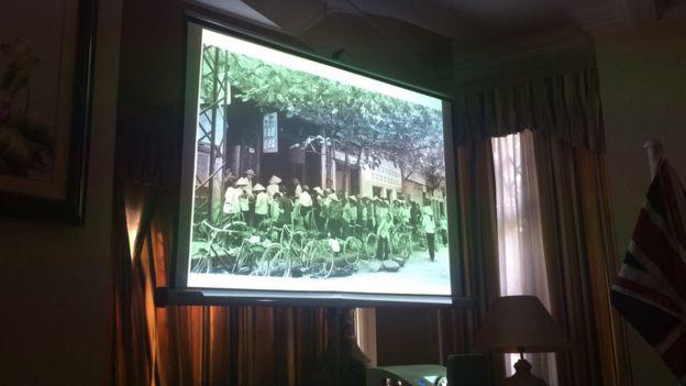 Một buổi giới thiệu sách ở sứ quán Việt Nam tại London tháng 9/2018