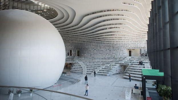 Biblioteca Tianjin Binhai, en China