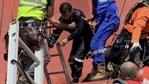 Golden Ray cargo ship: US Coastguard saves trapped crew