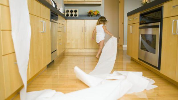 Одноразовые бумажные полотенца