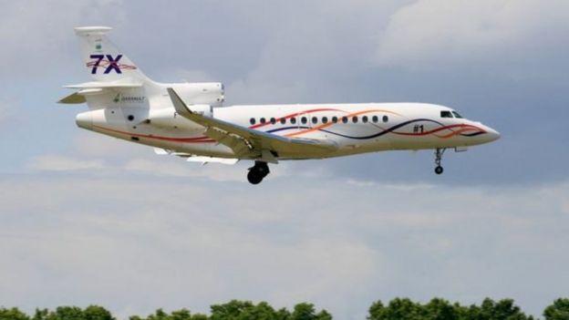 قس أمريكي يطلب من أتباعه التبرع بالمال لشراء طائرة خاصة رابعة