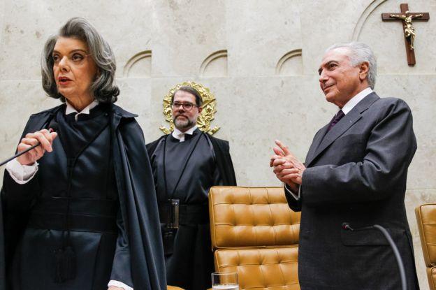 Presidente Michel Temer com os Ministros Cármen Lúcia e Dias Toffoli nos cargos de Presidente e Vice-Presidente do Supremo Tribunal Federal e do Conselho Nacional de Justiça, em setembro de 2016