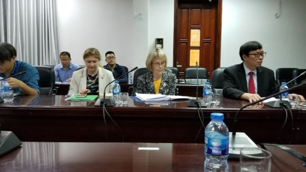Phái viên Khoa học của Bộ Ngoại Giao Hoa Kỳ bà Margaret Leinen có mặt tại buổi khai mạc dự án Tình hình sử dụng đất, thay đổi và tác động ở Việt Nam, Lào và Campuchia, hôm 7/5