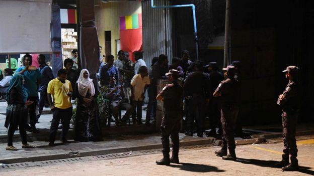 Policías en Malé