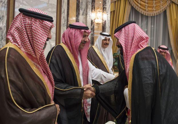 ژوئن ٢٠١٧ ملک سلمان ولیعد اول محمد بن نایف را برکنار کرد و محمد بن سلمان از ولیعهد دوم به ولیعهد اول ارتقا یافت