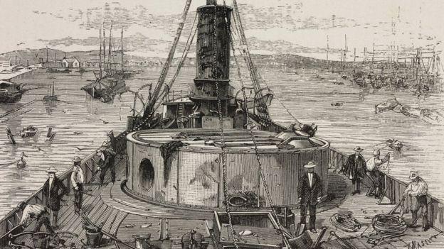Ilustración del Huáscar durante en Combate de Angamos