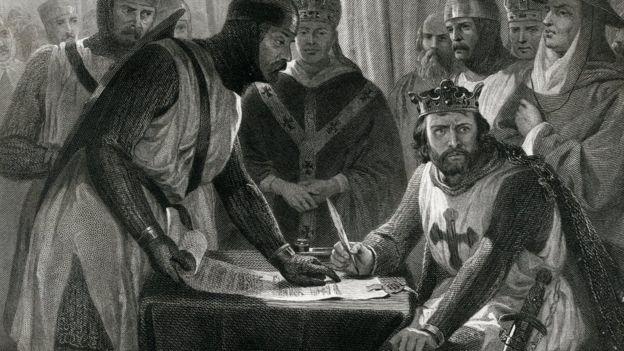 Kral John xartiyanı imzalamaq istəməsə də, onun başqa çıxış yolu yox idi.