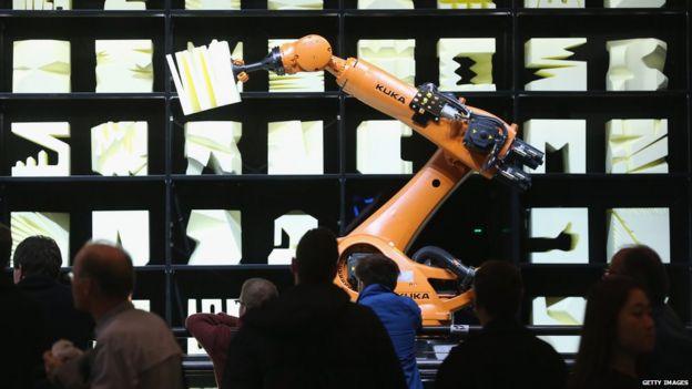 中國美的集團成功2016年收購德國最大工業機器人製造商Kuka,引起德國國內迴響。