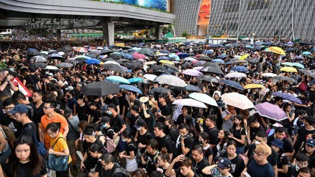 Ngành du lịch đi xuống kể từ khi các cuộc biểu tình bắt đầu, theo dân địa phương