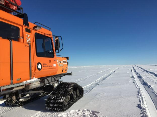 Halley VI: Dropping in on the British Antarctic Survey - BBC News