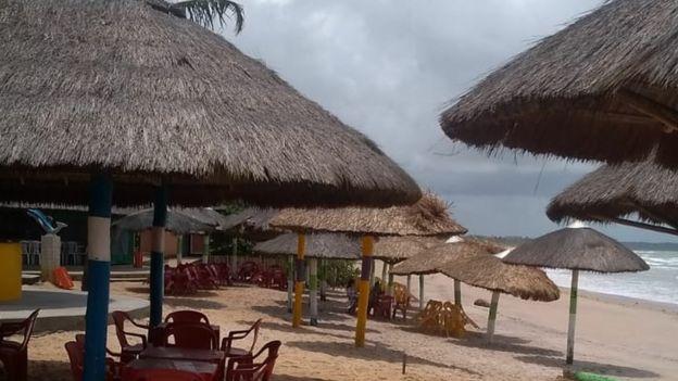 Guias utilizam fotos das praias para atrair turistas