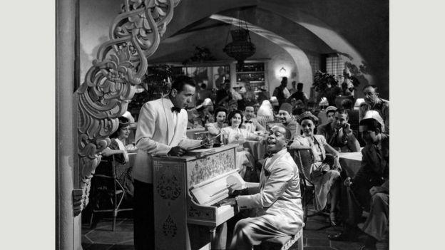 Kazablanka: Aşk filminin ötesinde mülteci filmi ile ilgili görsel sonucu