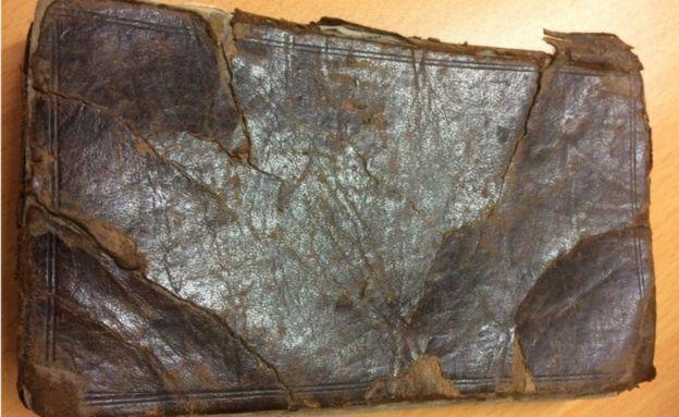 வினோதமான உடலுறவு ஆலோசனைகள் கொண்ட 300 ஆண்டுகள் பழமையான புத்தகத்துக்கு ஏலத்தில் பங்கேற்க தடை