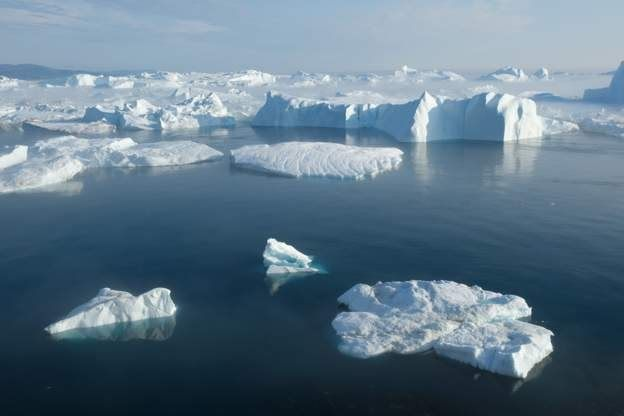 الجليد يذوب بمعدل سريع في غرينلاند Getty Images
