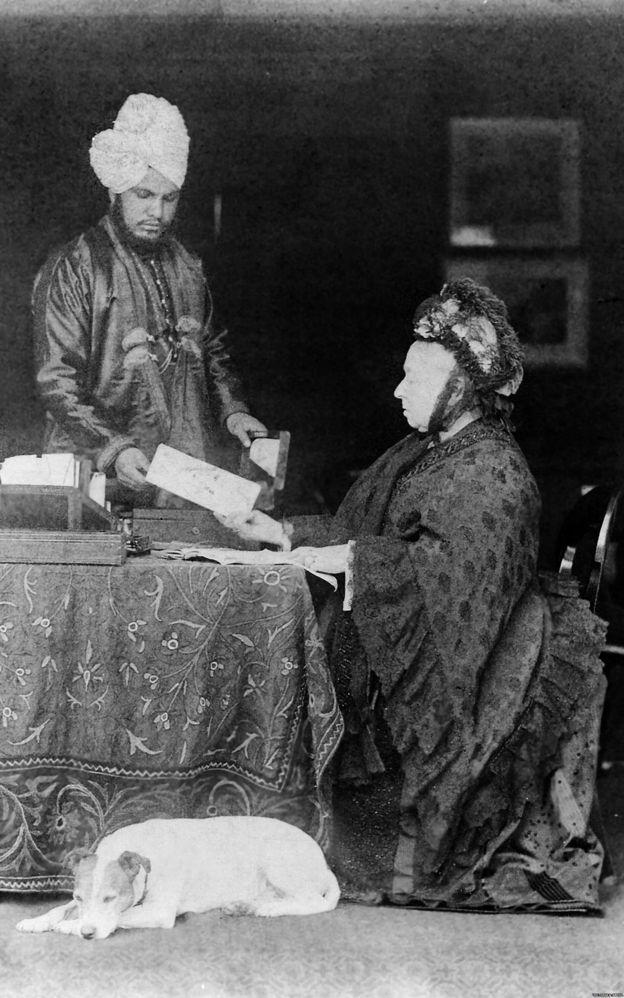 महारानी विक्टोरिया और उनके भारतीय मुंशी अब्दुल करीम