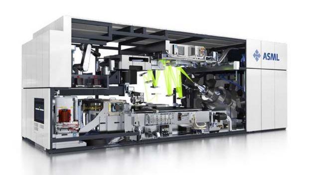 así son las máquinas para fabricar chips ultrarrápidos.