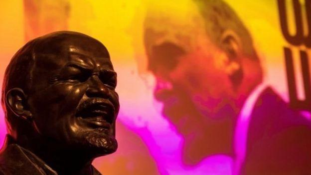 Năm 2017 đánh dấu tròn 100 năm cuộc Cách mạng tháng Mười Nga do cố lãnh tụ V. Lenin lãnh đạo