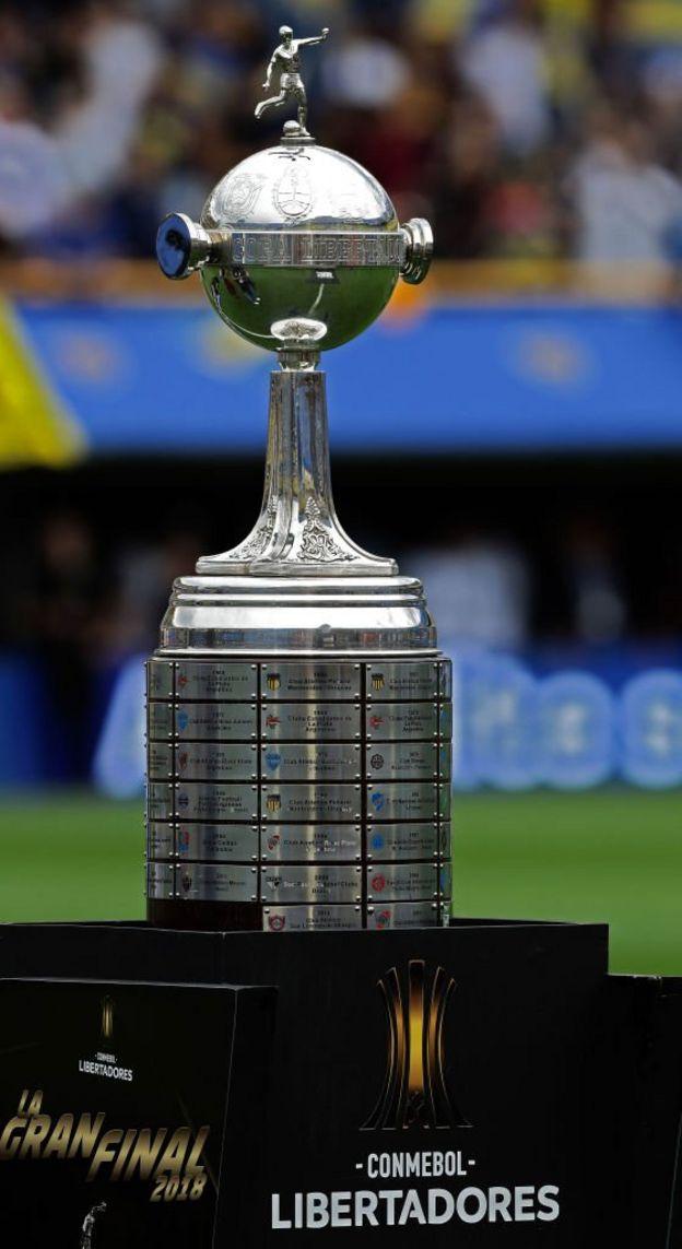 El trofeo más ansiado del fútbol sudamericano, la Copa Libertadores de América.