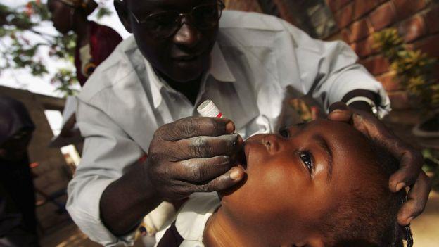 Vacuna oral contra la polio.