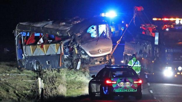 Police name victim of fatal minibus crash in Borders - BBC News