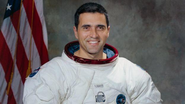 Retrato do astronauta Harrison Schmitt feito em 1971