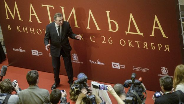Russian film director Alexei Uchitel speaks to the media before the premiere of his movie 'Matilda', which focuses on Nicholas II's relationship with ballerina Mathilde Kschessinska, at the Mariinsky theatre in Saint Petersburg on October 23, 2017