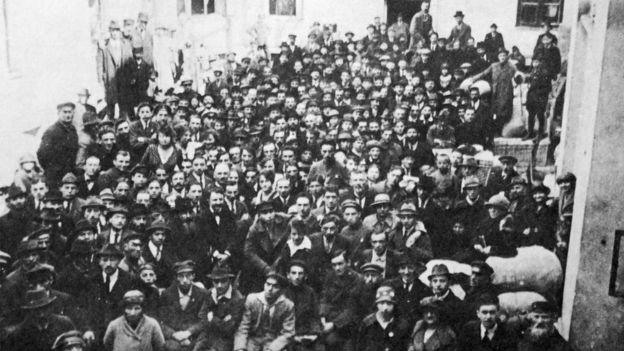 يهود يغادرون بولندا باتجاه فلسطين. عام 1922