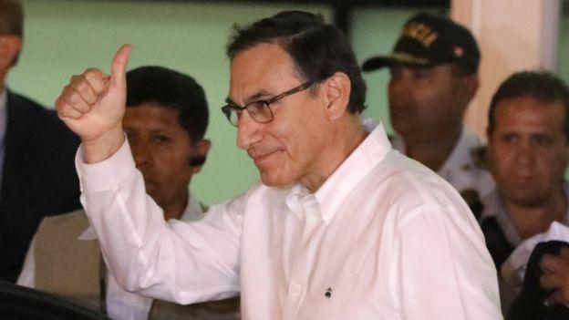 Fiscalía de Perú allanó dos propiedades de Kuczynski