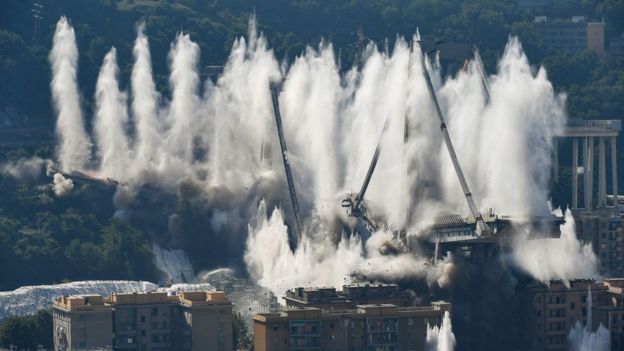 It took just eight seconds for the entire structure to go down / AFP