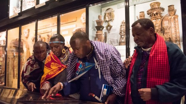 Представители народа масаи из Танзании и Кении в музее Питта Риверса
