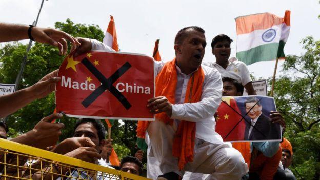 চীন-ভারত সামরিক সংঘাত: কোন্ দেশ কার পক্ষ নেবে? শক্তি কার কতটা?