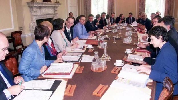 Tony Blair là Thủ tướng đã gặp nhóm triển vọng ngồi ghế các bộ trưởng ngay sau khi có kết quả bầu cử