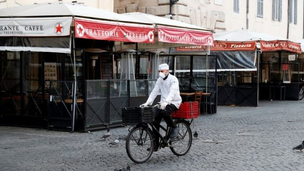 Entregador em Roma