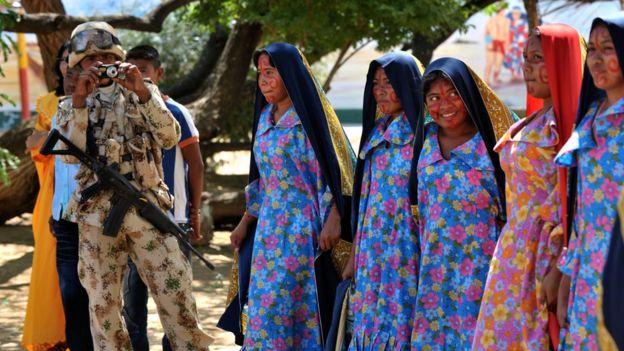 soldado colombiano en La Guajira