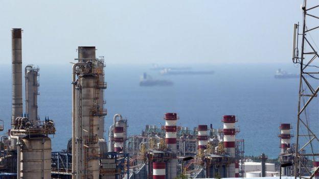 زنگنه: شرکت ملی نفت چین جایگزین توتال میشود