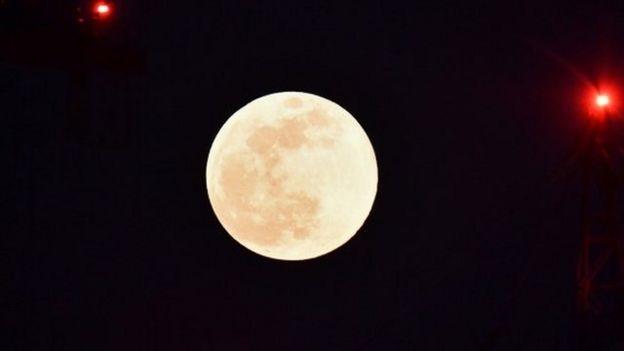 Luna en Milán