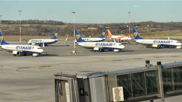 Самолеты Ryanair в Кракове 15 марта