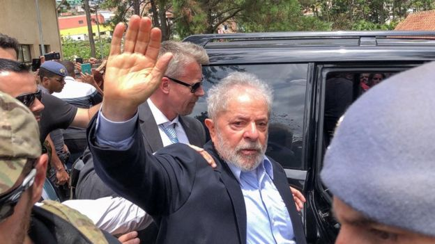 Lula no velório do neto