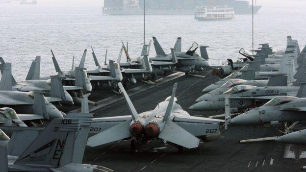 El USS Abraham Lincoln tiene más aviones caza que los ejércitos de muchos países.