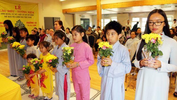 Người tham dự buổi lễ