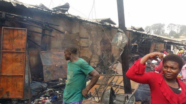 Cameroun : un marché incendié à Bamenda, près de 200 boutiques parties en fumée